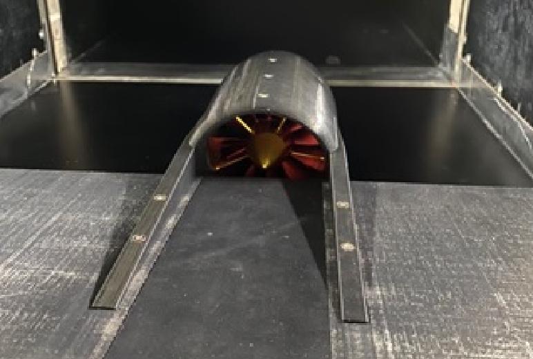 航空機「風洞実験用エンジンポッド」